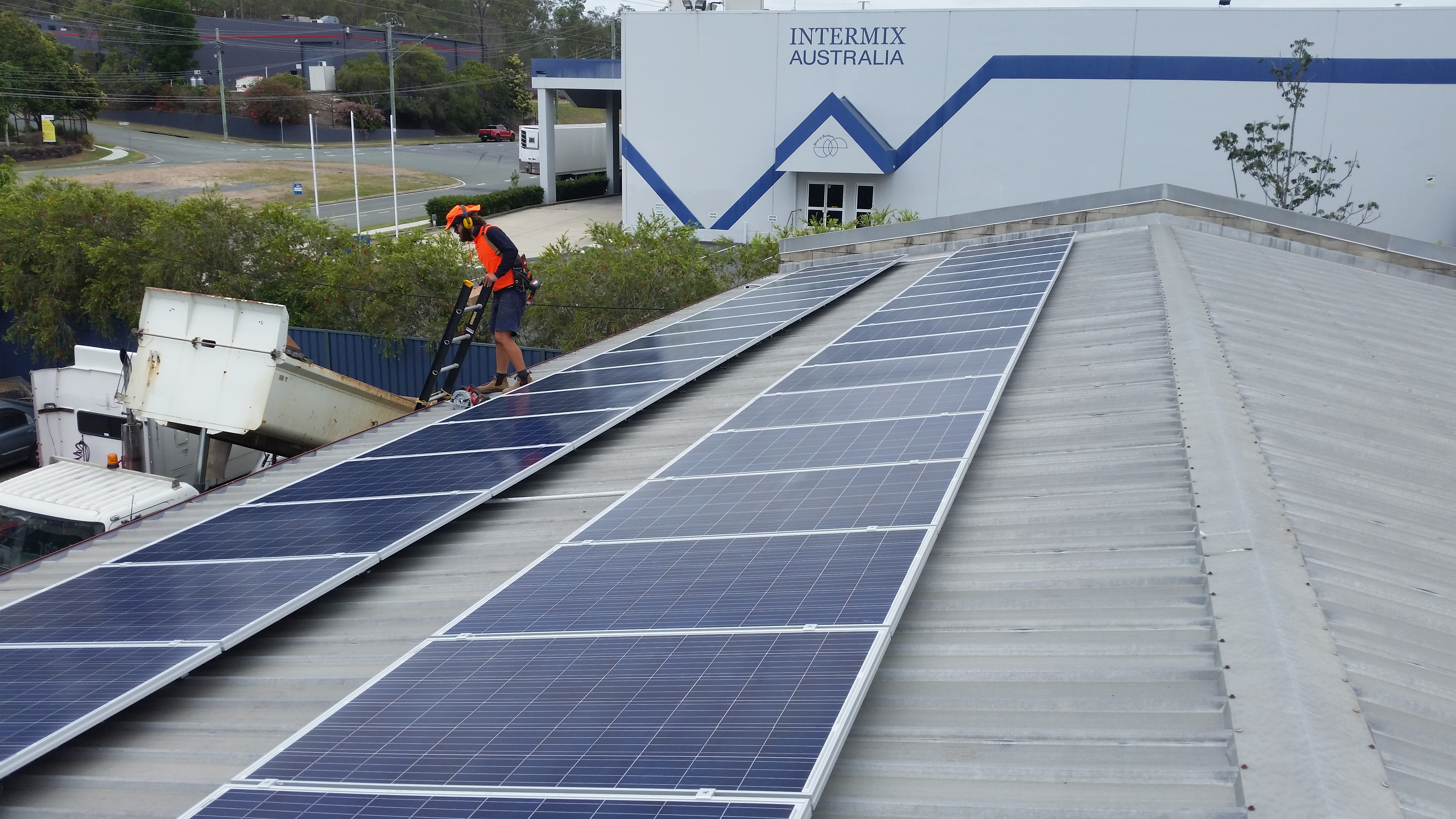 One Stop Truck Doctor 10 6kw Canadian Solar Panels With
